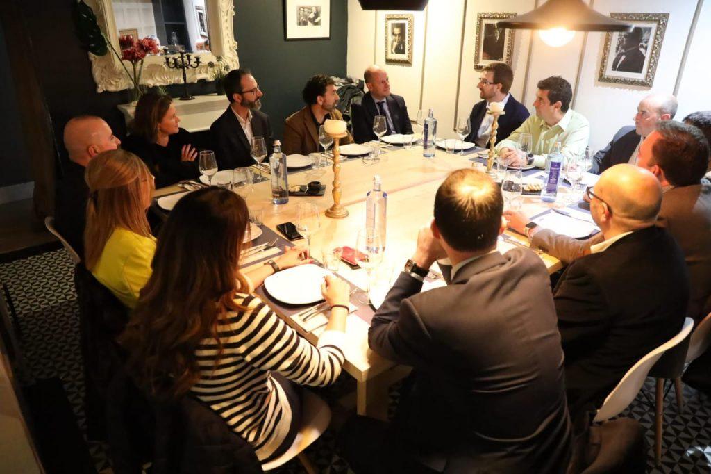 2 3 Infinitia en La Mafia se sienta a la mesa y Cámara de Comercio de Zaragoza