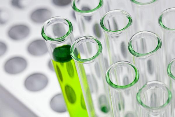 Los materiales e instrumentos de un laboratorio químico