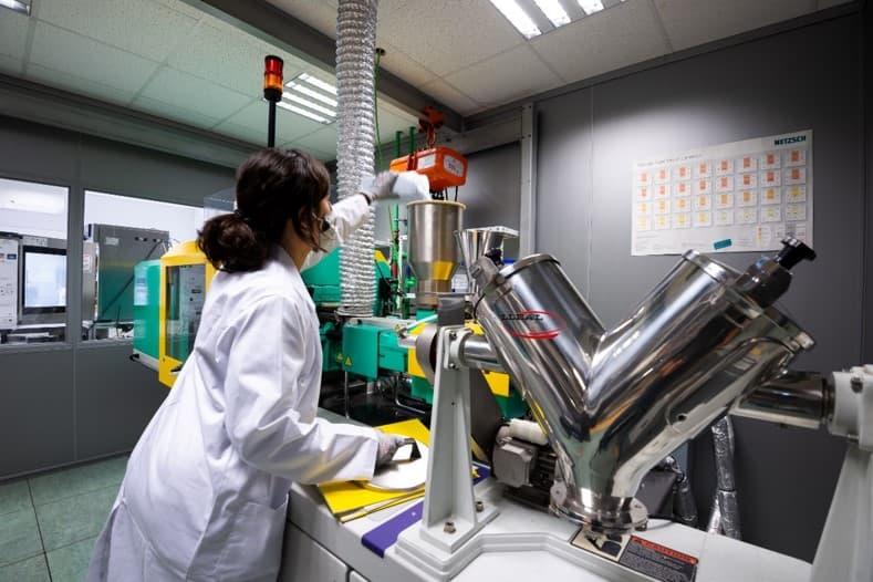 Imagen 2 3 Simulación de inyección de plásticos para predecir defectos en fabricación en componentes