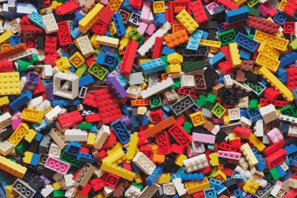 El moldeo por inyección de plástico: una garantía de éxito en la producción a gran escala de piezas